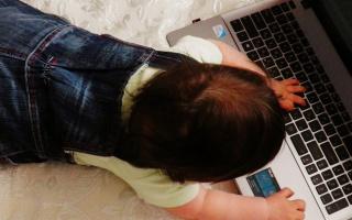 Jak rozpoznat opožděný vývoj dítěte