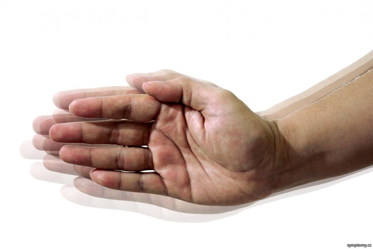 třes rukou